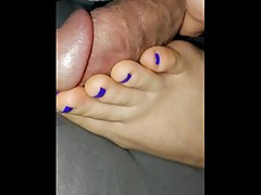 WIFE best sleeping footjob / footfuck i have seen so far IM SO LUCKY !!!